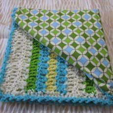 Reversible crochet baby blanket