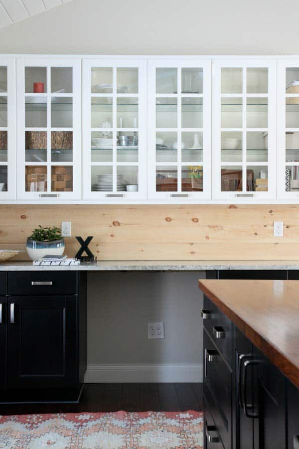 Simple, fresh wooden backsplash