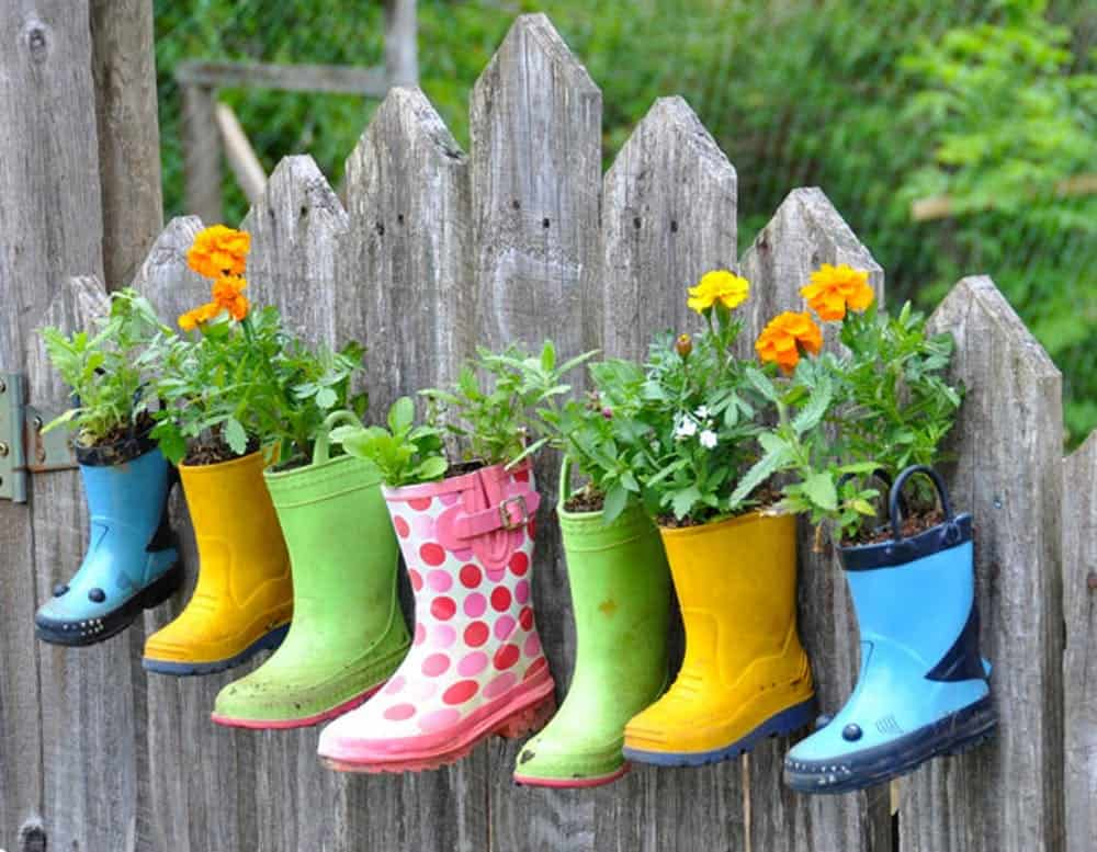 Diy rainboot planters