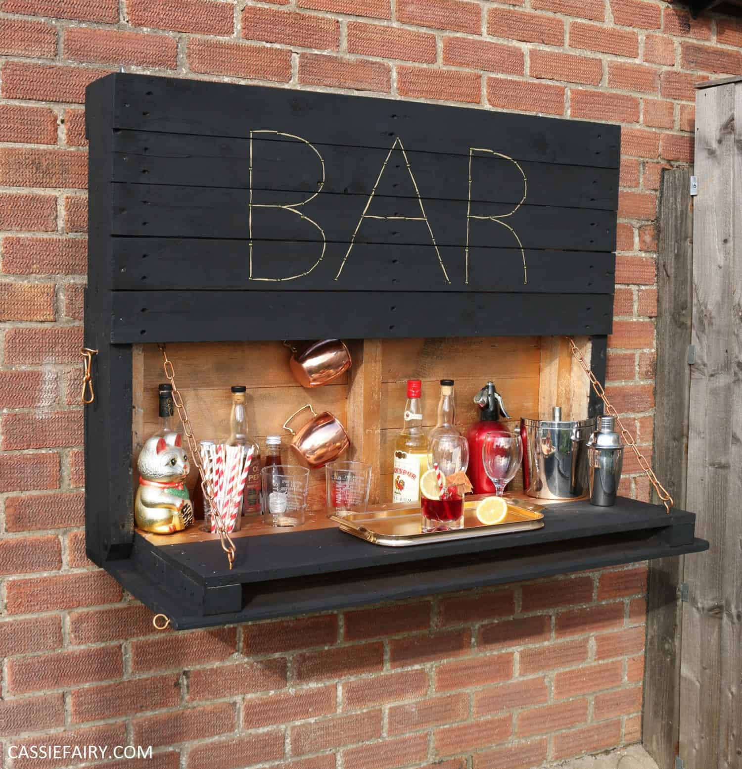 Outdoor pallet bar party diy upcycling diy