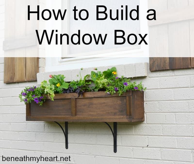 Classic farhmouse window box