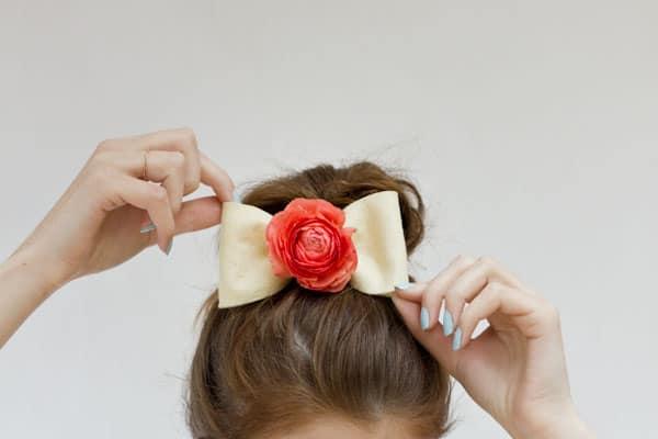 Diy fresh flower hair bow
