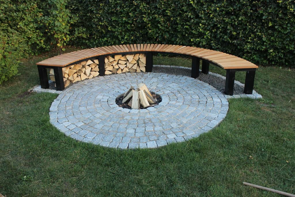 Fire pit hideaway bench