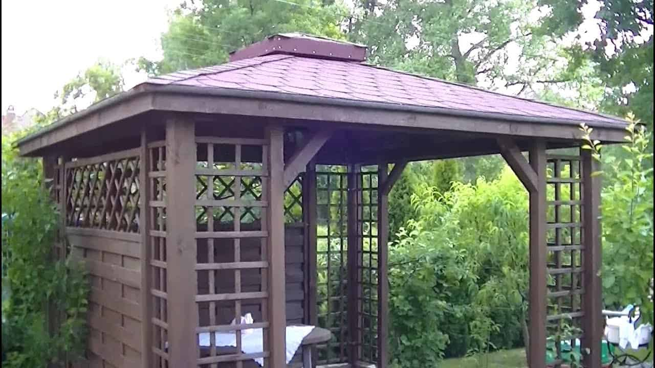 Half enclosed gazebo