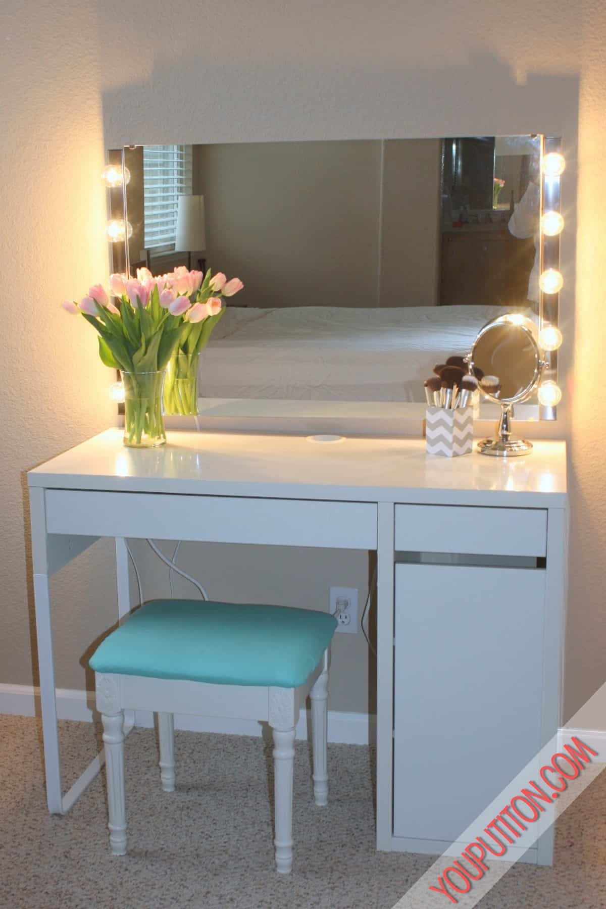 How to choose and install the right lighting for a vanity space