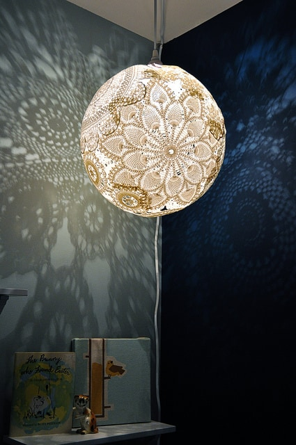 Lace doily rounded pendant lamp