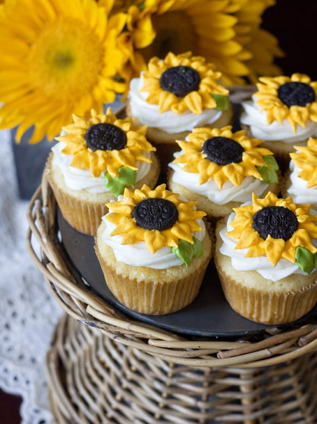 Lemon sunflower cupcakes