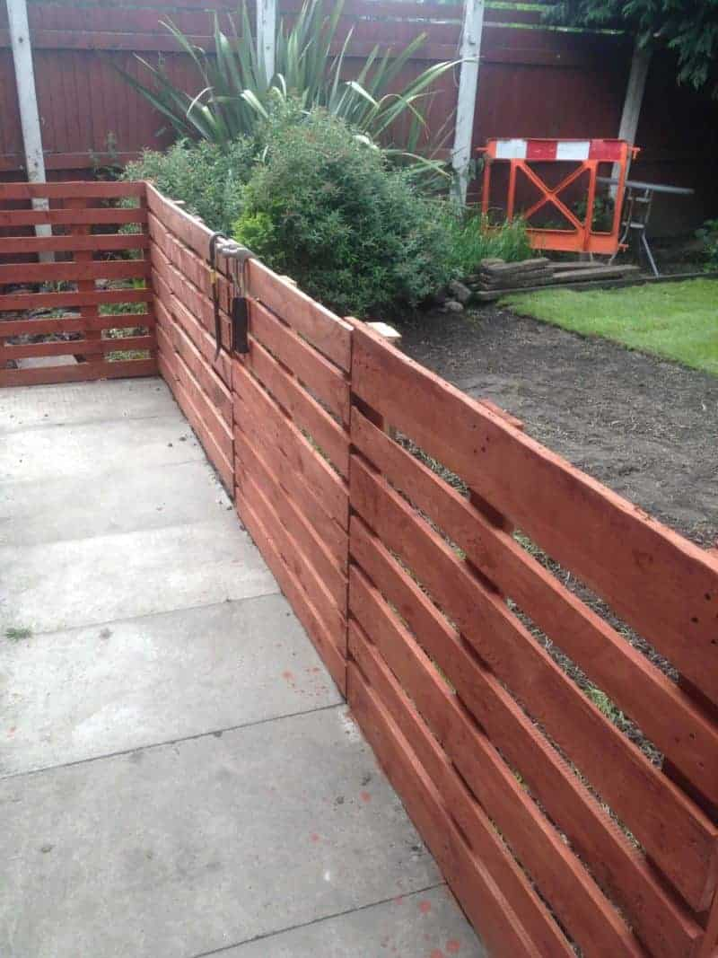 Pallet fence patio surround