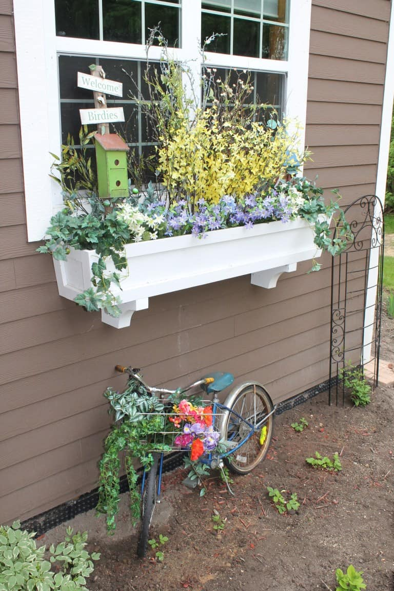 Simple, five step planter box with corbels