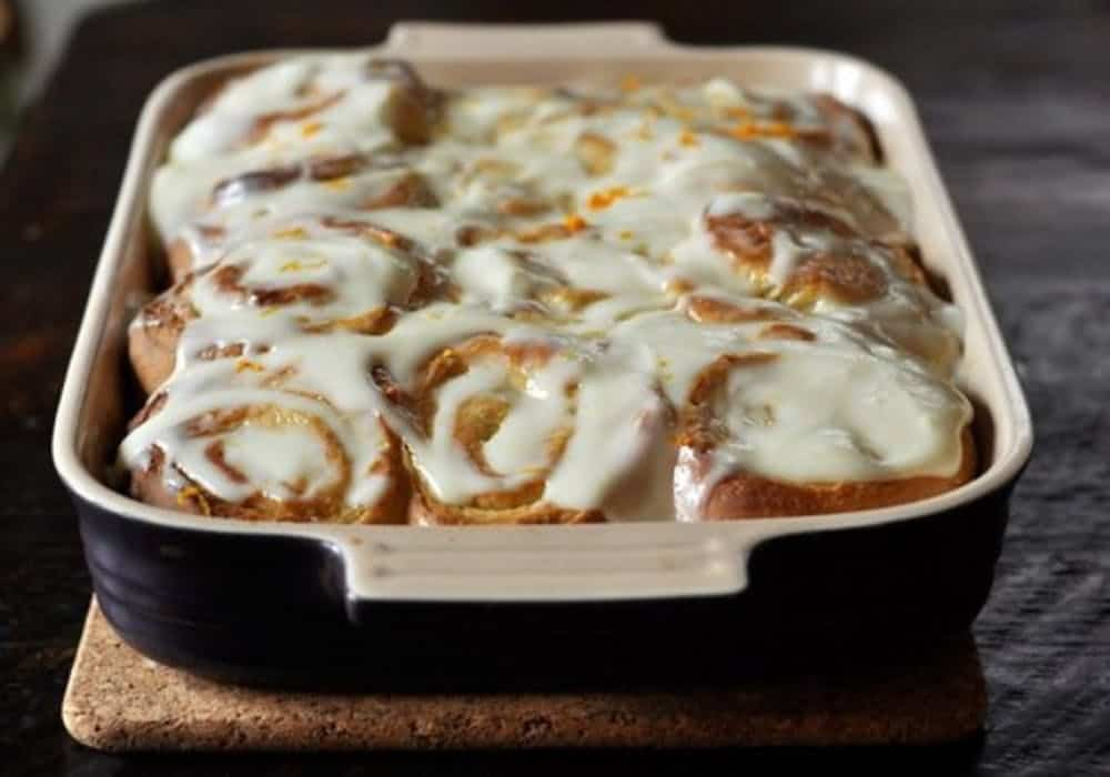 Lemon cinnamon rolls