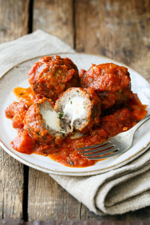 Mozzarella stuffed meatballs spicy