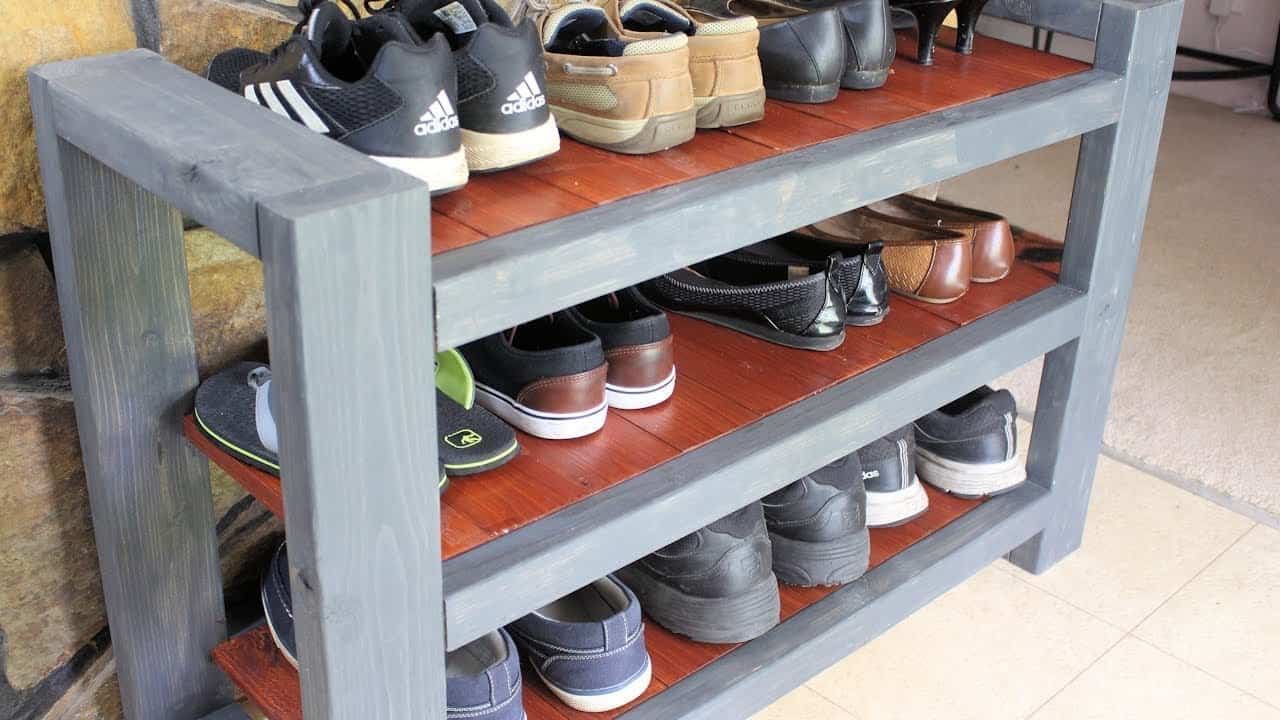 Customized shelf to a diy shoe rack