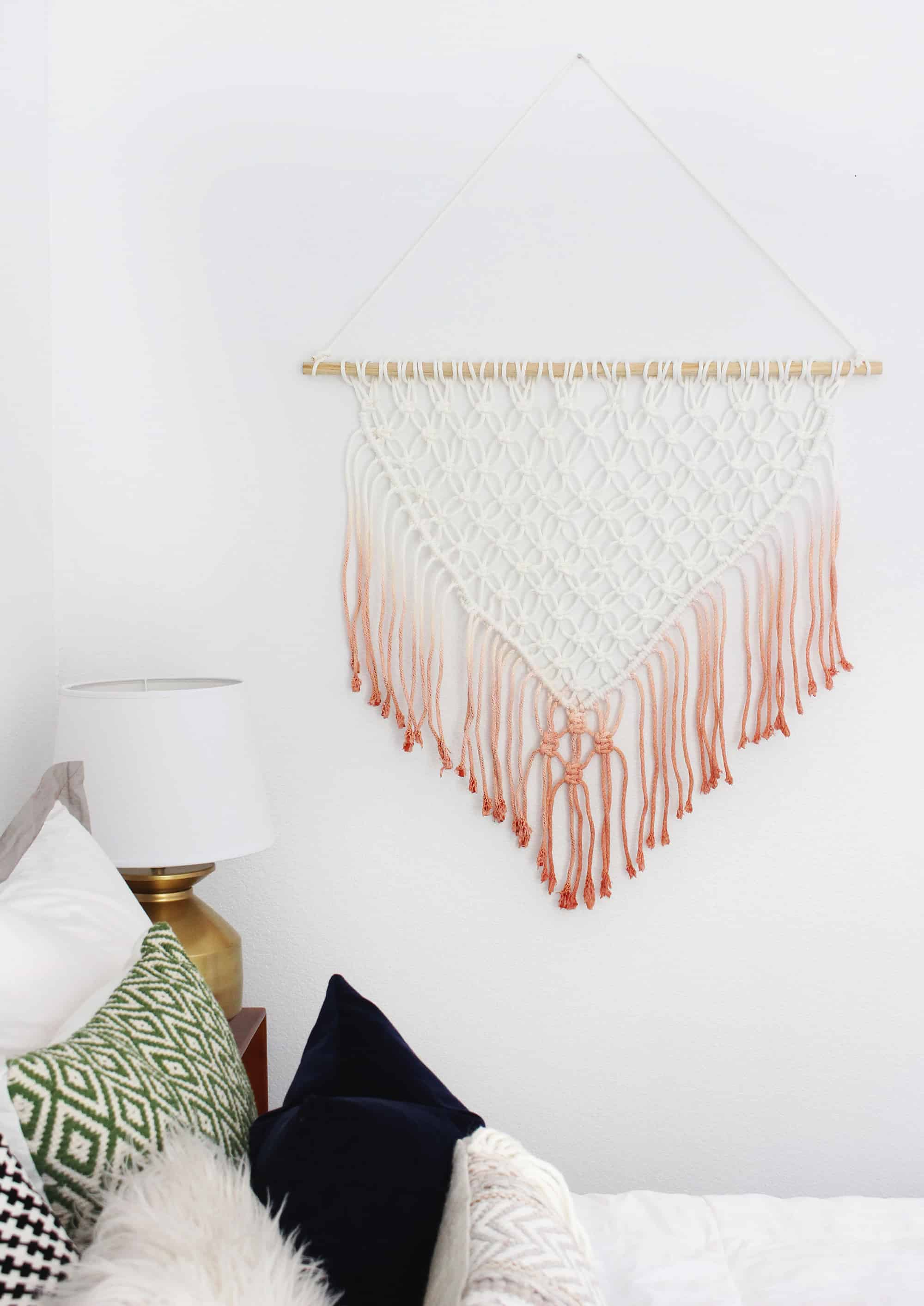 Diy macramé wall hanging