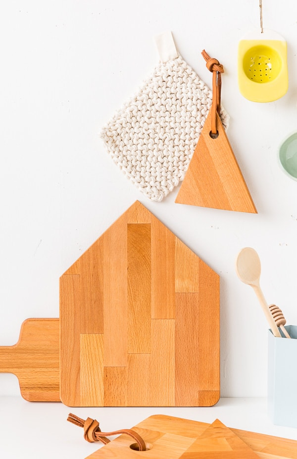 House shaped and geometric wooden cutting boards from a 10 minute diy hack