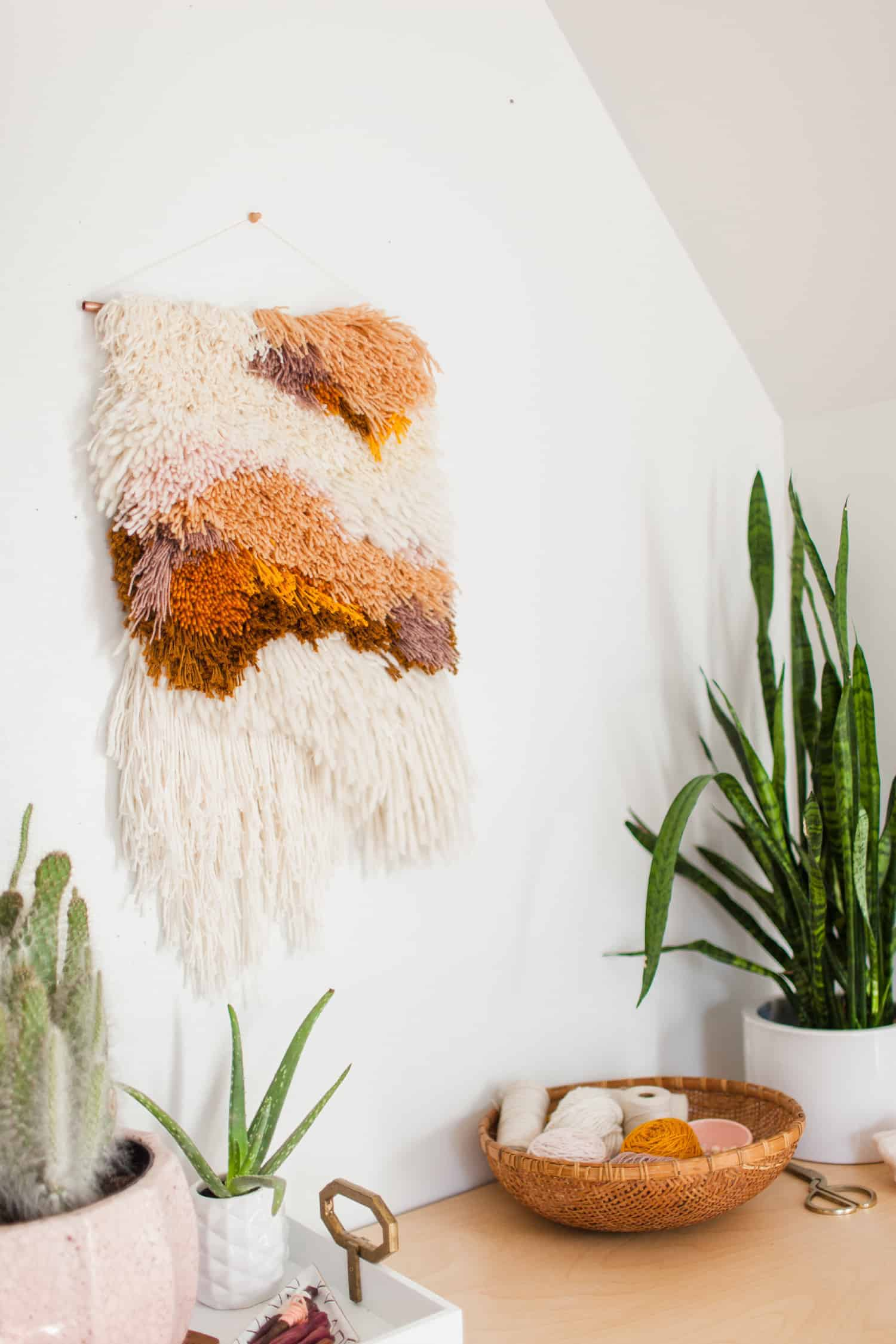 Latch hook wall hanging diy
