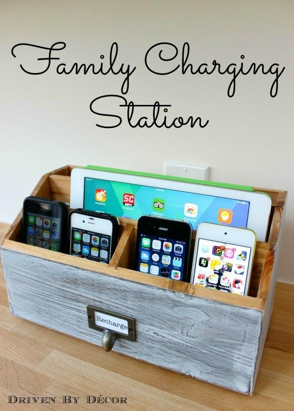 از یک سازمان دهنده میز یک ایستگاه شارژ چند دستگاهی بسازید