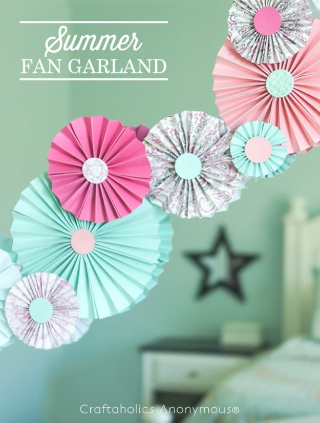 Summery paper fan garland