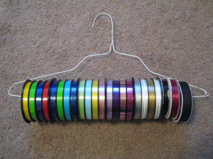 Wire hanger ribbon organizer