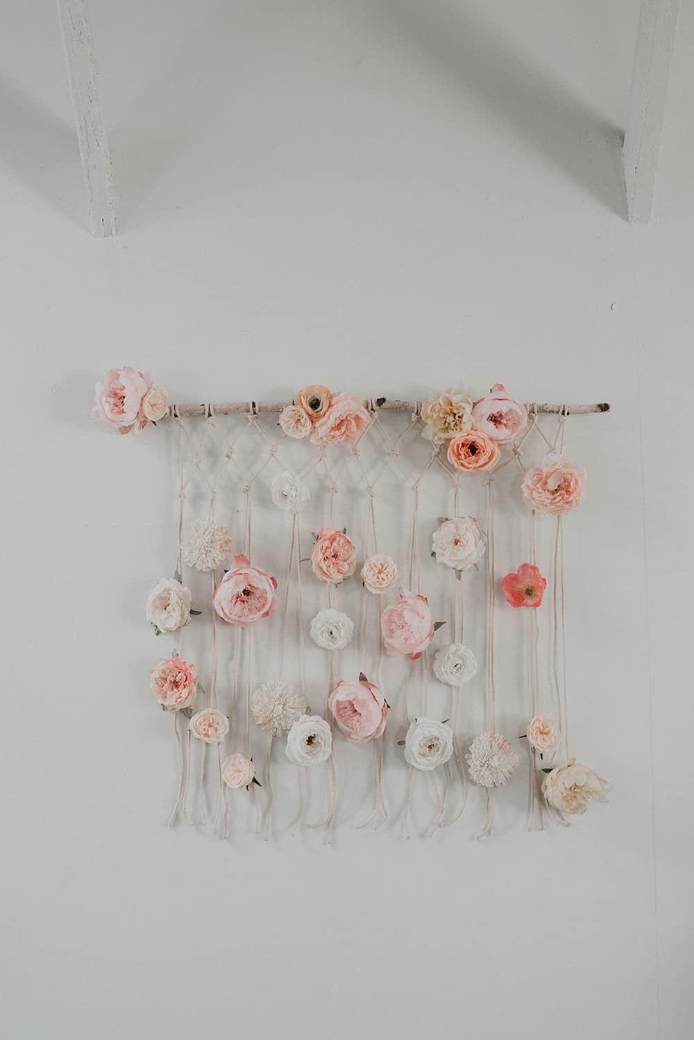 Diy macrame wall hanger with flowers