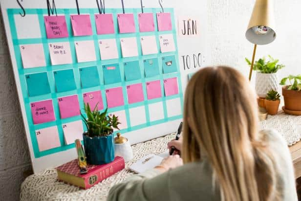 Diy post it calendar