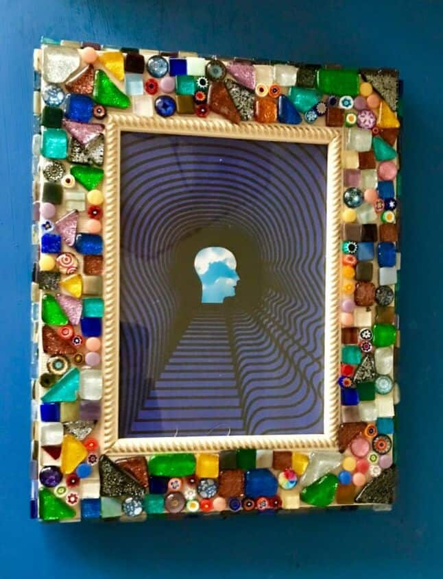 Pretty mosaic photo frame diy
