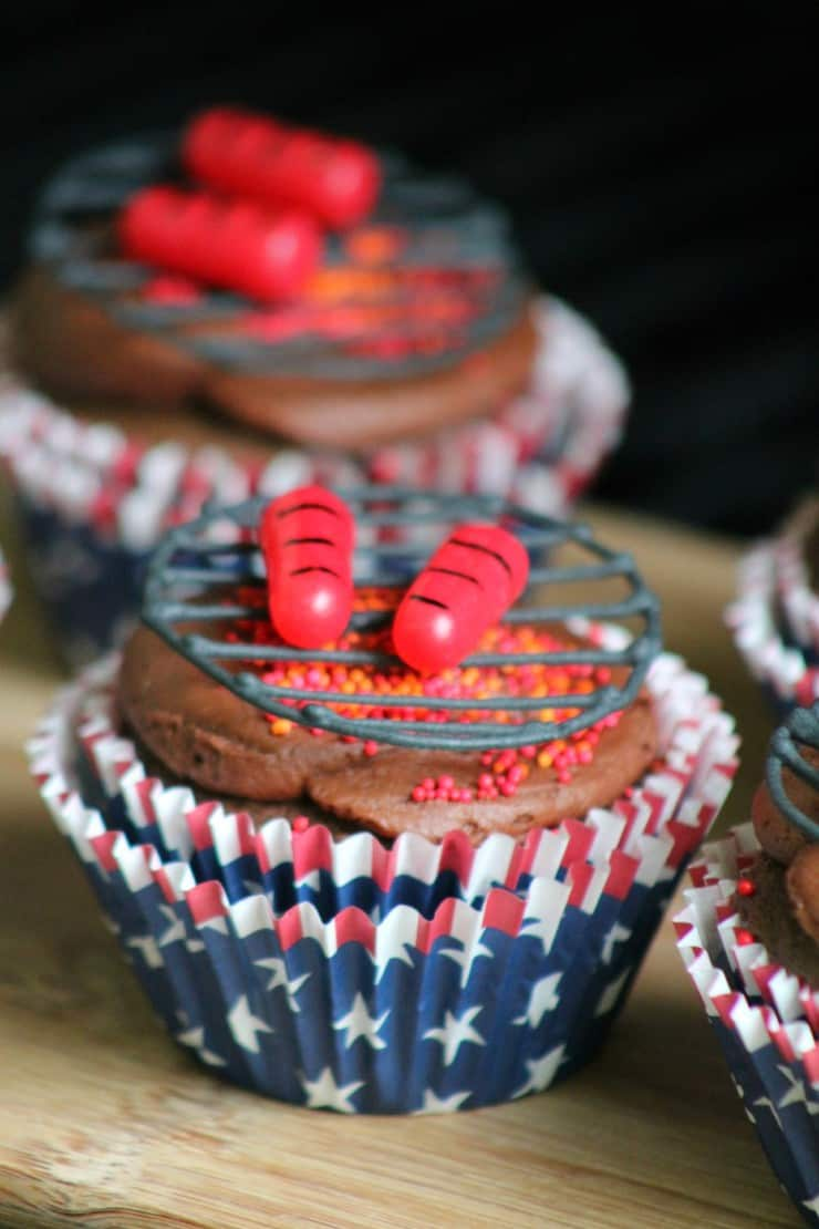 Bbq and grilled hot dog cupcakes
