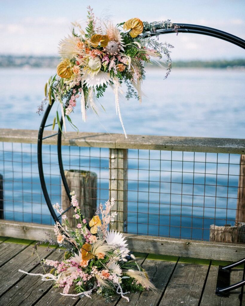 Minimal circle wedding arch