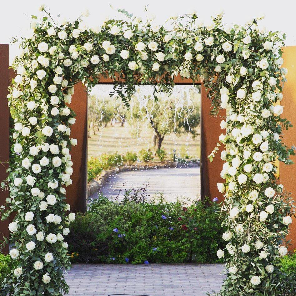 Rectangular flowery arch