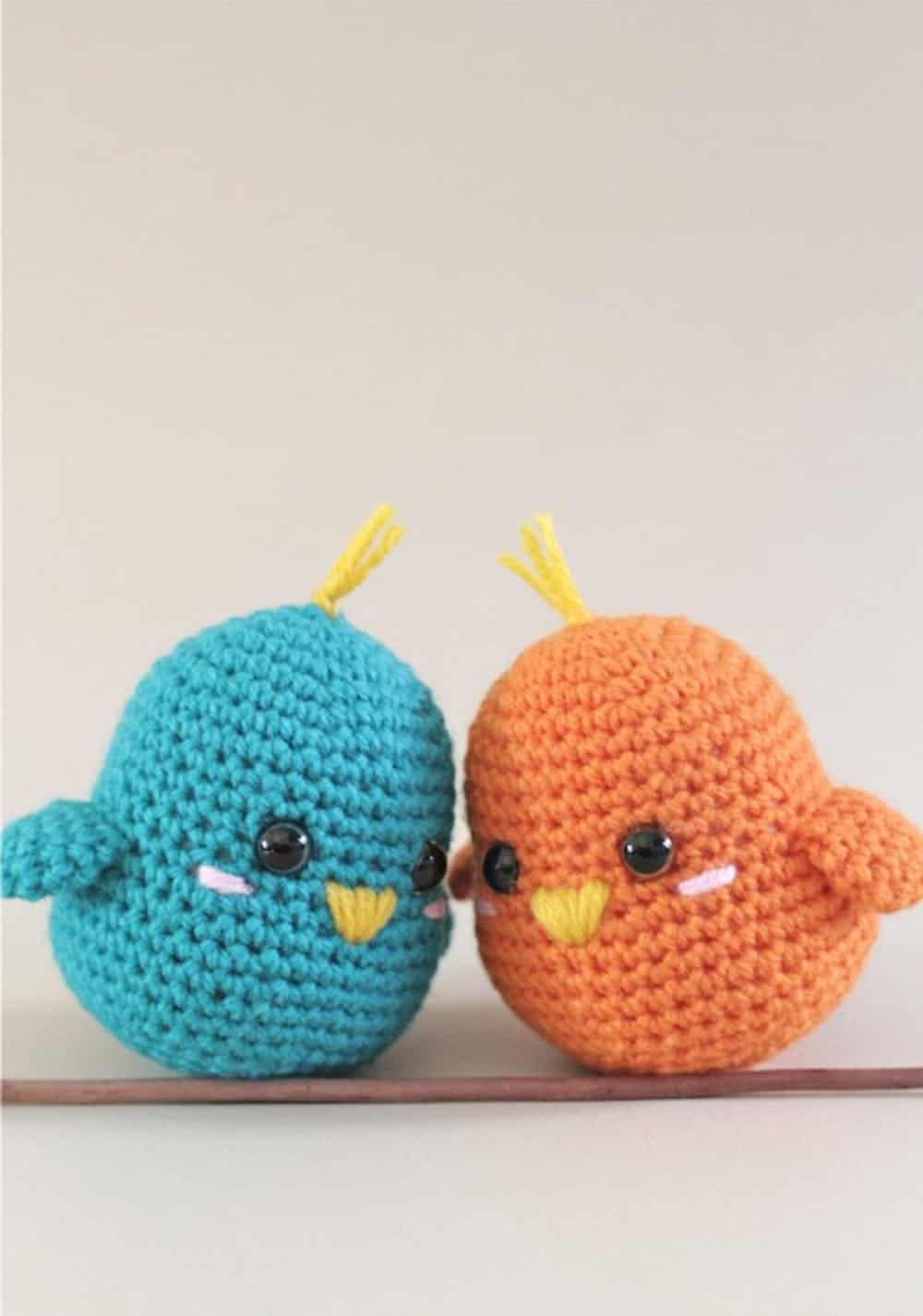 Diy crochet lovebirds