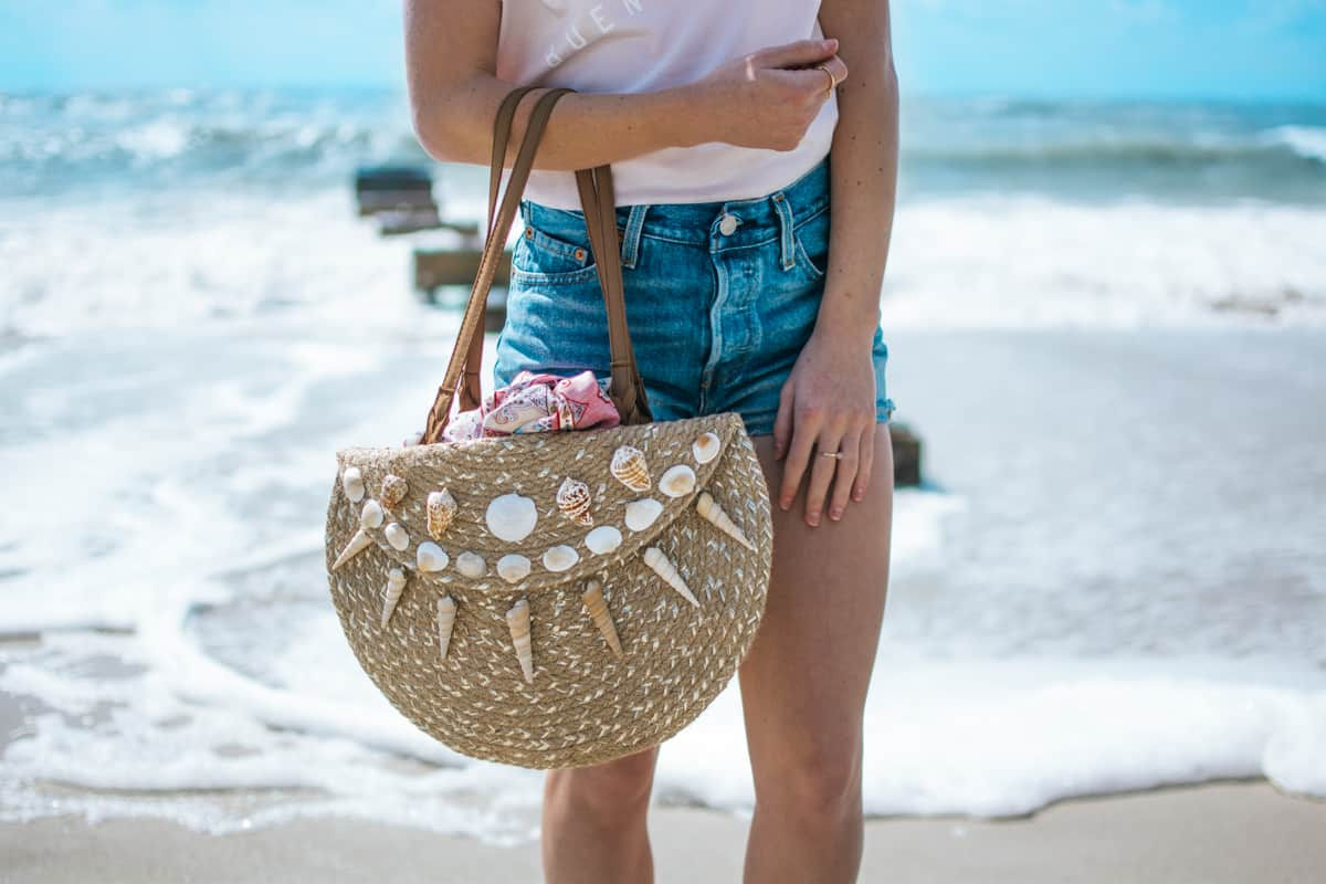 Diy seashell place mat tote