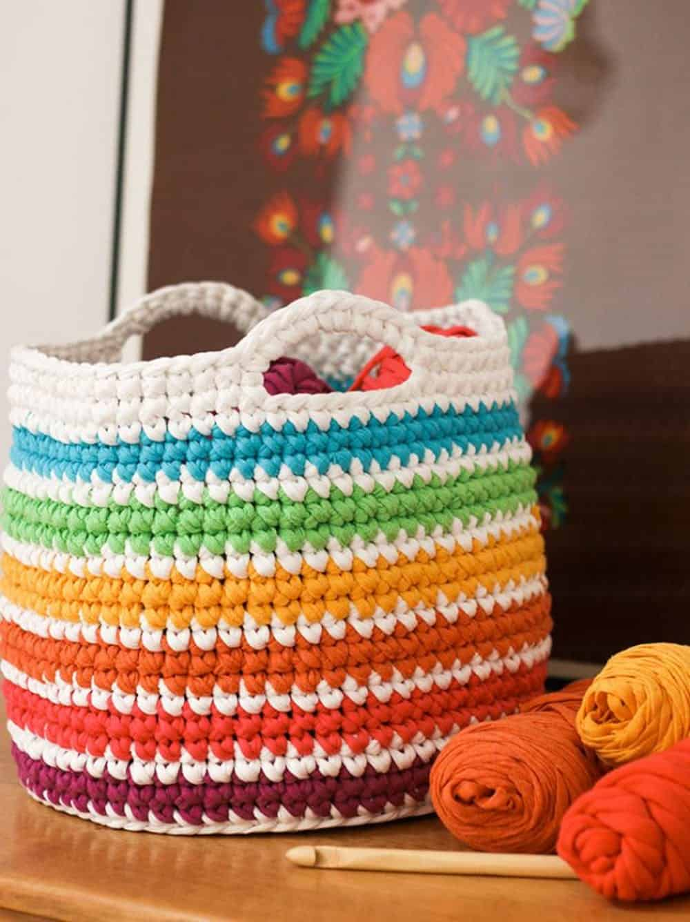 Rainbow basket storage crochet diy