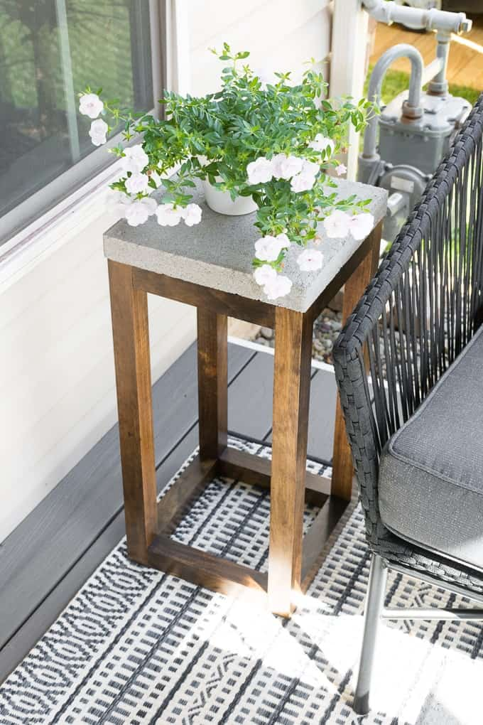Diy concrete paver side table