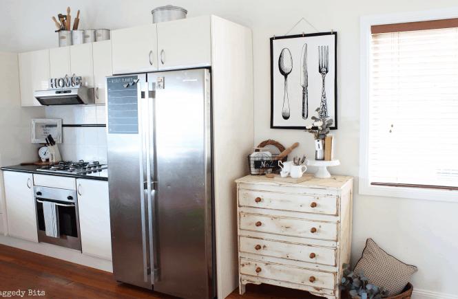 Easy farmhouse kitchen wall hanger