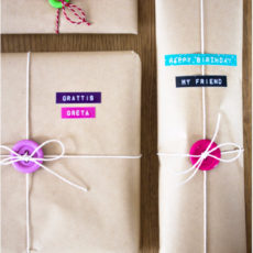 Gift wrapping with paper and buttons