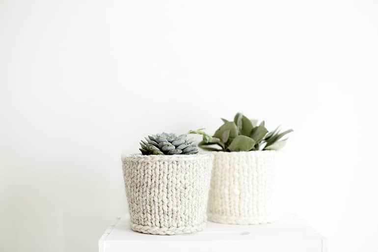 Knitted flower pot cover