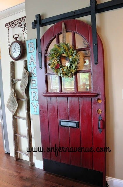 Round barn door for the pantry