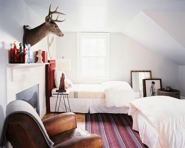 Mantel decor with animal bust