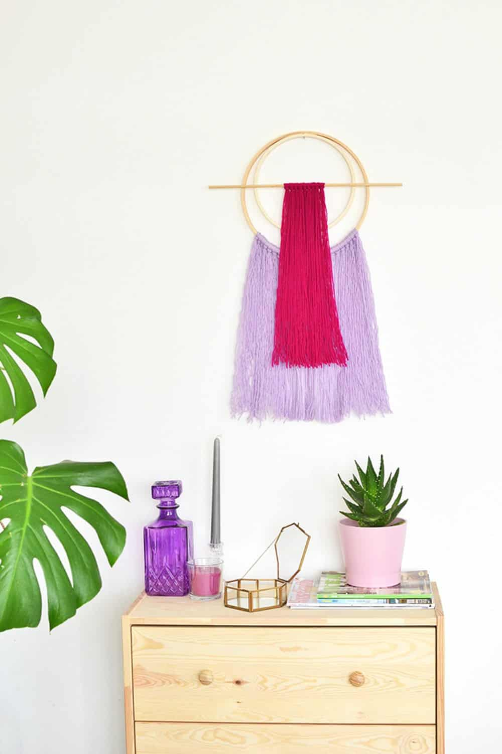 Diy hoop yarn wall hanging