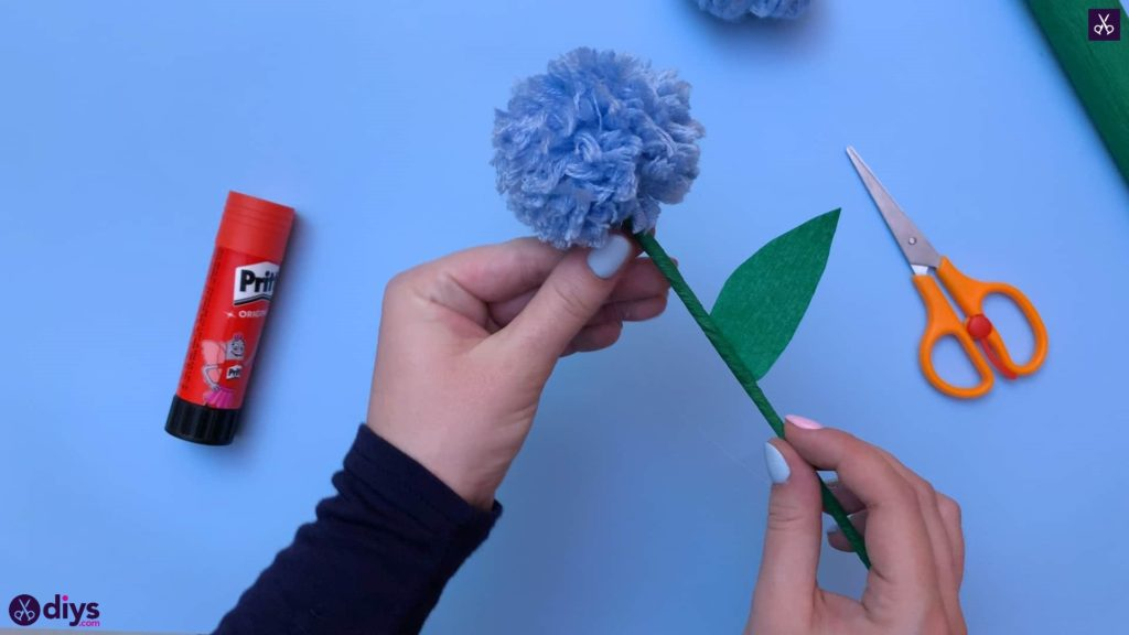 Diy pom pom flower step 13