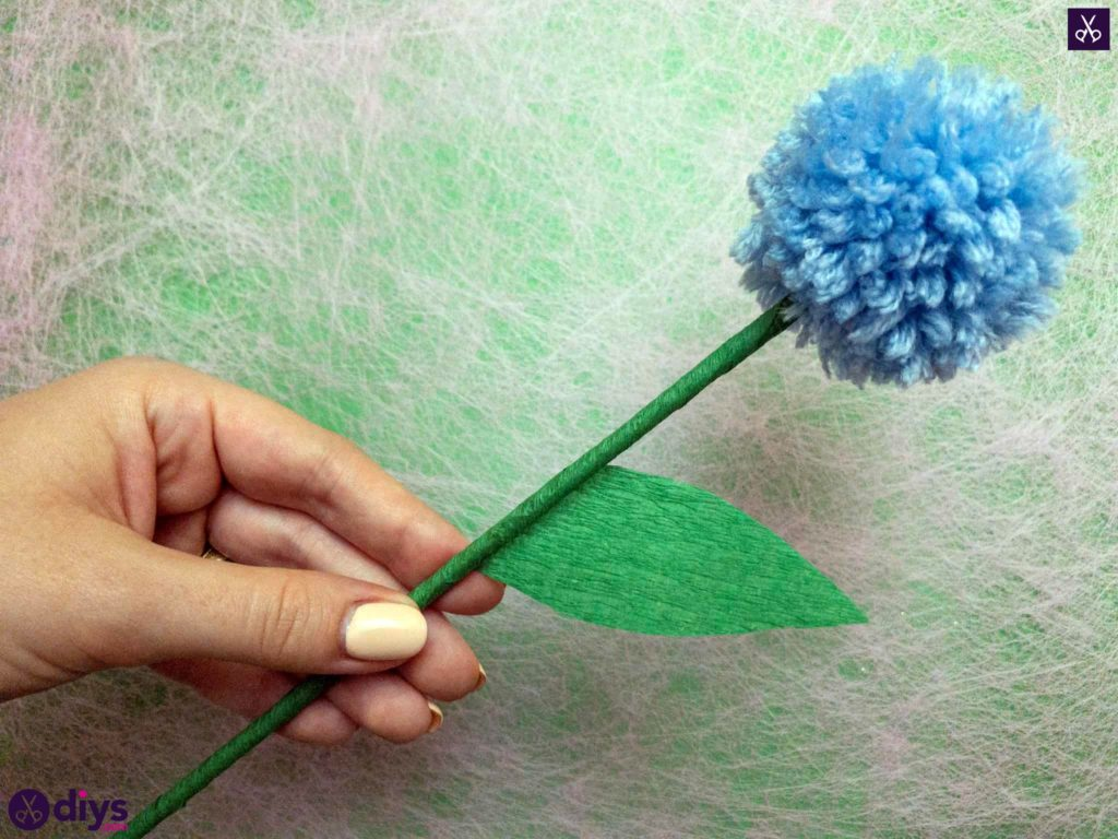 Diy pom pom flower step 14