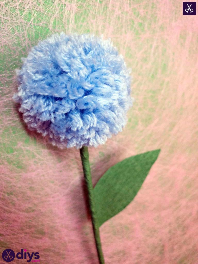Diy pom pom flower step 15
