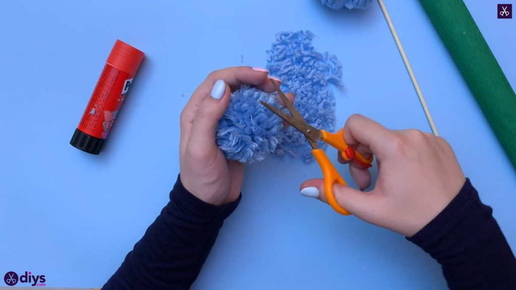 Diy pom pom flower step 6