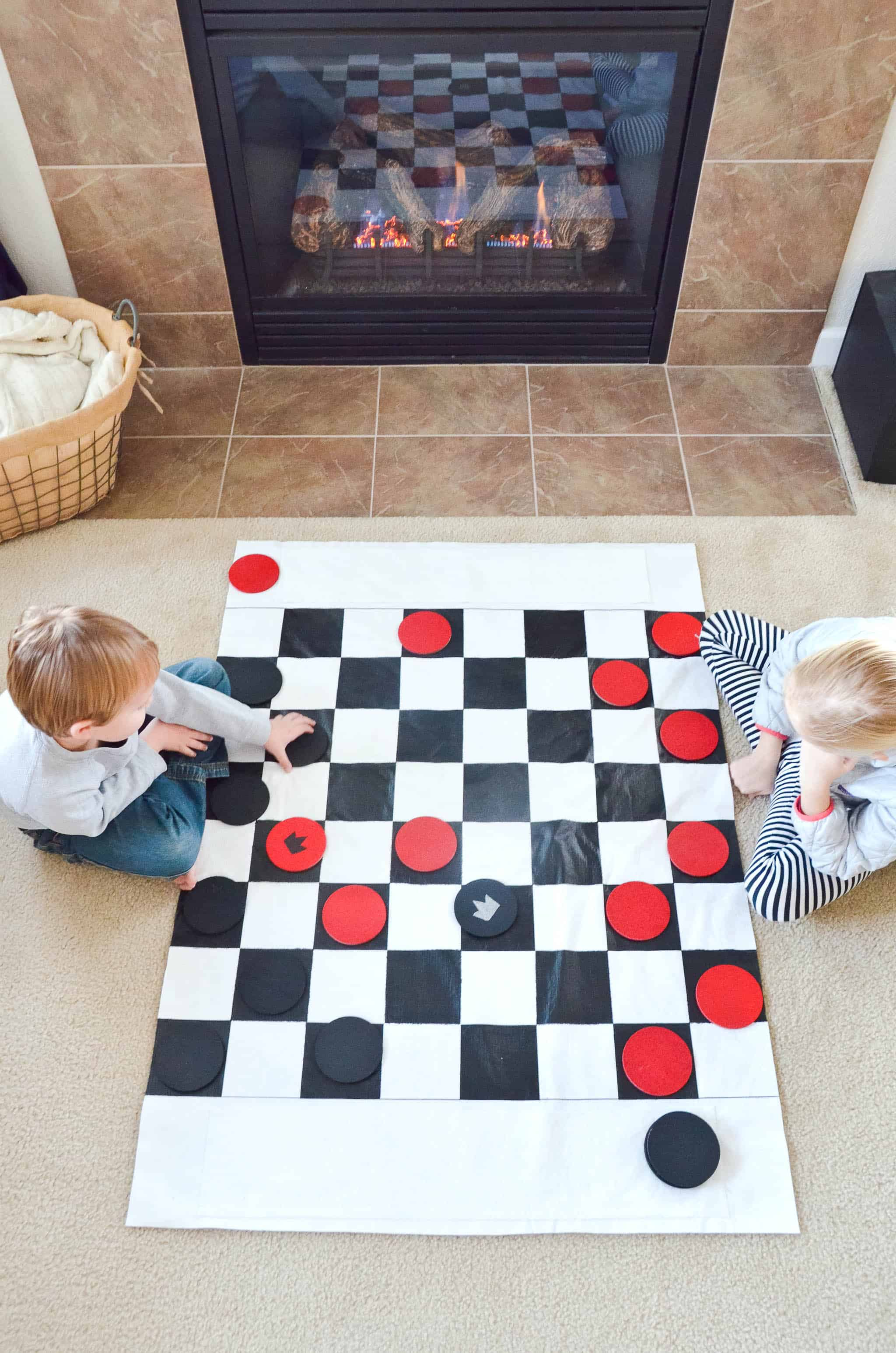 Diy jumbo checkers set