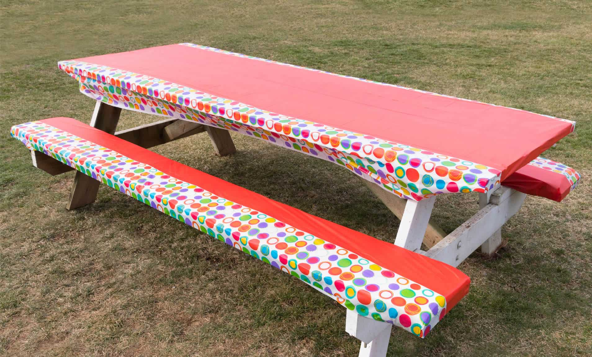 Diy picnic table with cushioned seats