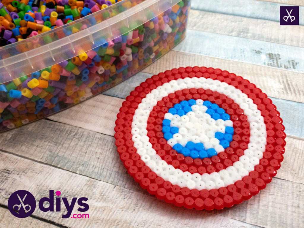 Easy how to make a cool captain america freezer magnet