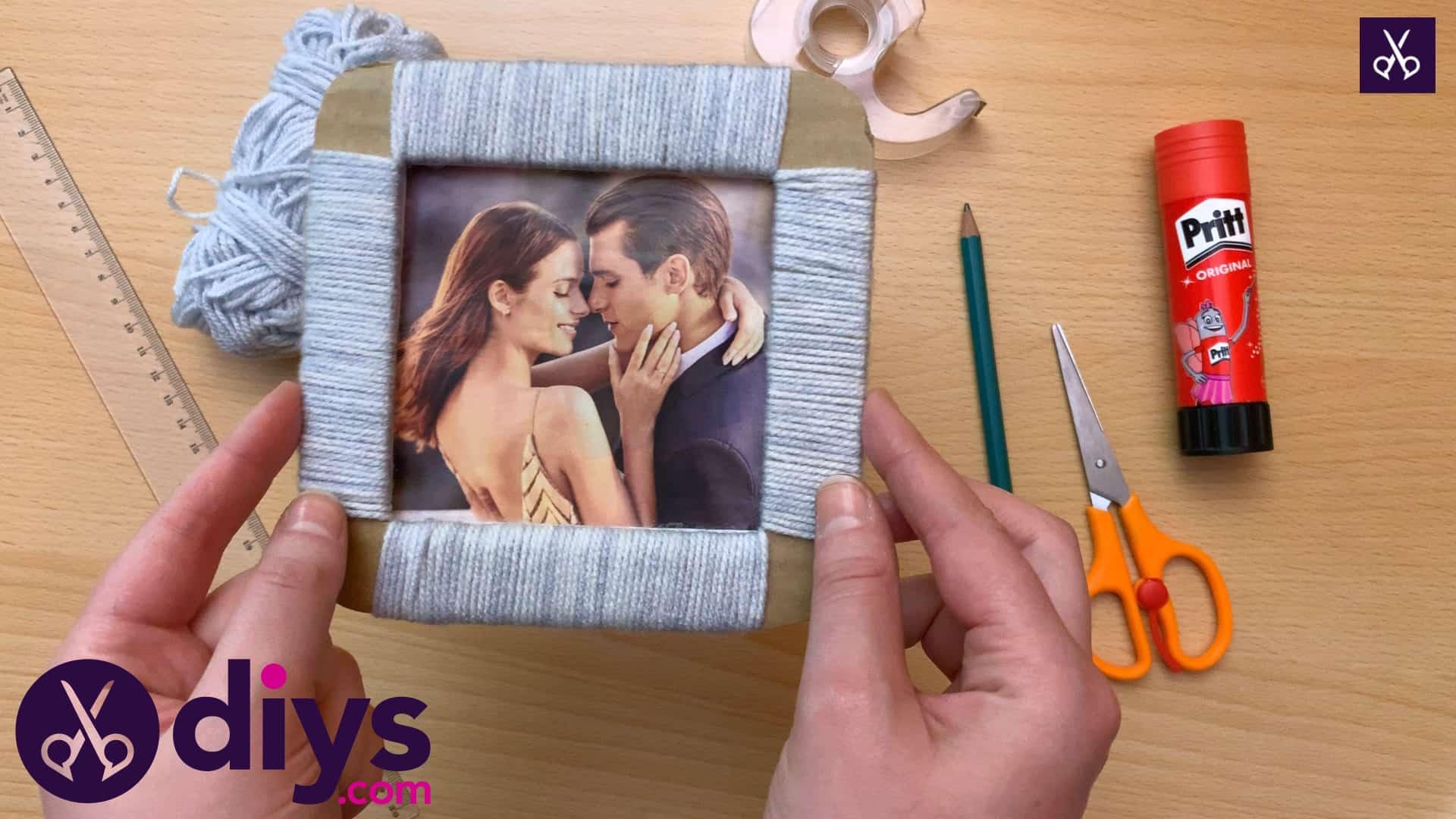 How to make a cardboard photo frame creating a beautiful frame