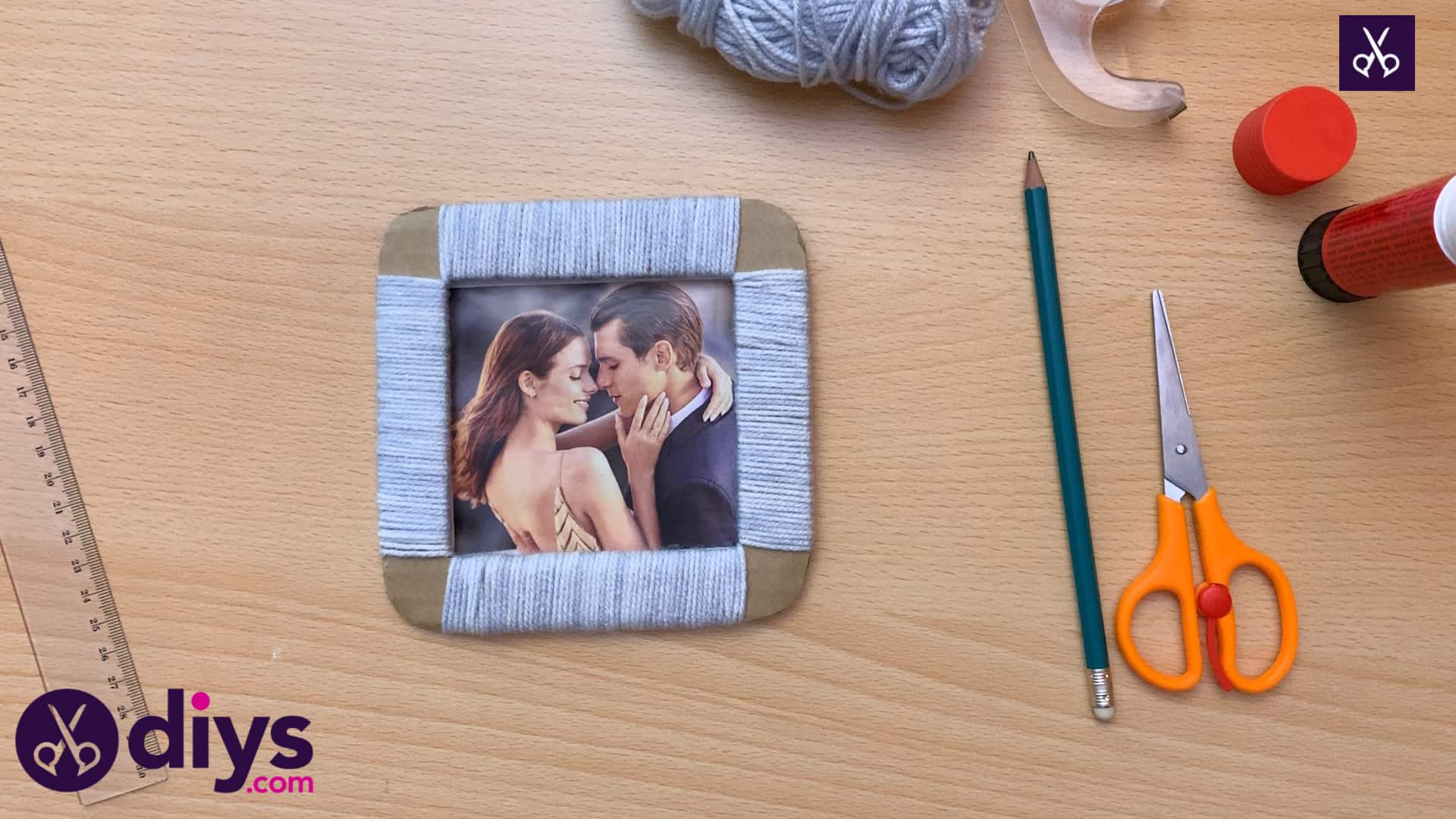 How to make a cardboard photo frame diy craft