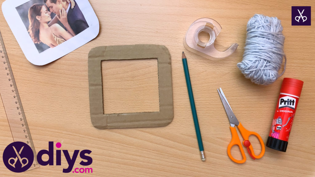 How to make a cardboard photo frame glue