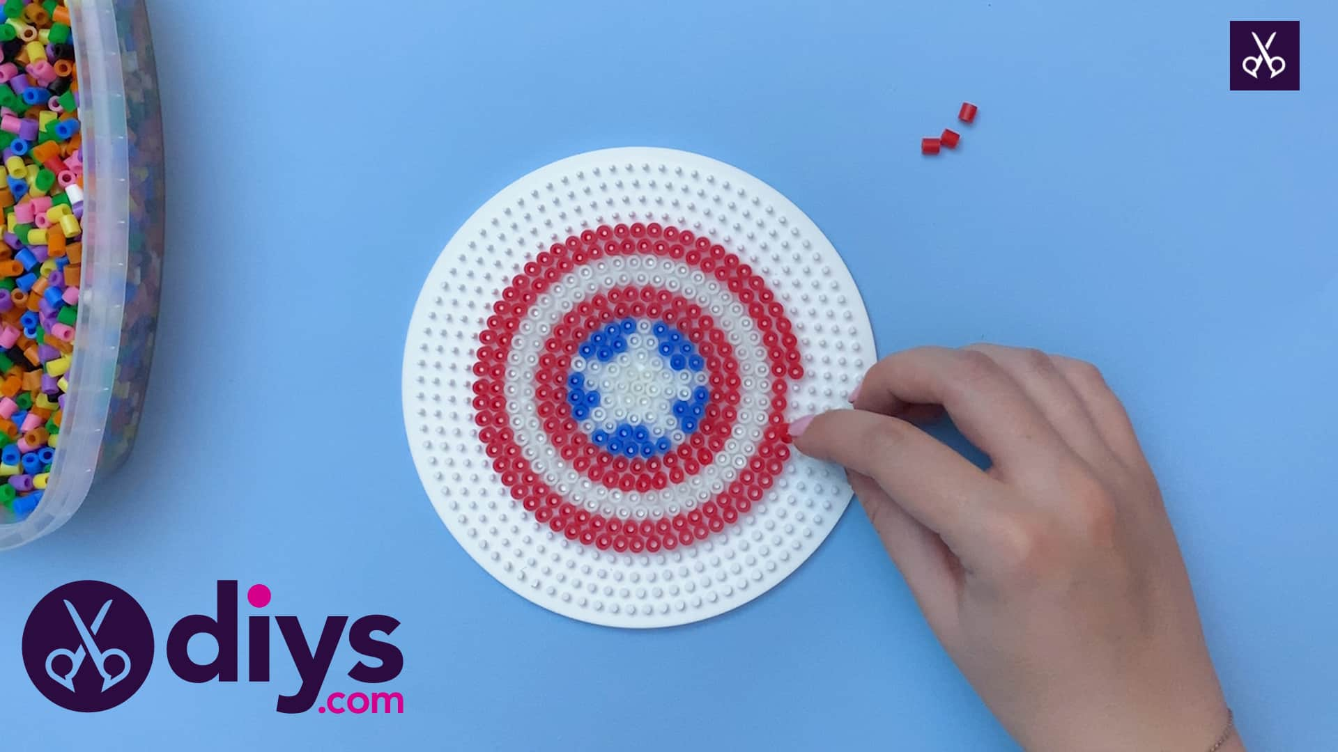How to make a cool captain america freezer magnet step 6
