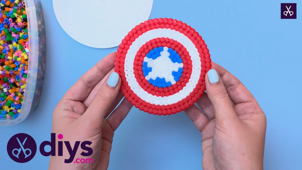 How to make a cool captain america freezer magnet step 9